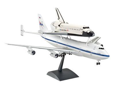 Космический корабль Спейс Шатл и пассажирский самолет Boeing 747 Revell 04863