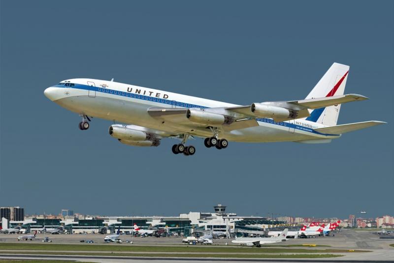 Авиалайнер Boeing 720 United Roden 320