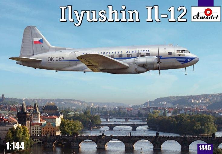 Модель пассажирского самолета Ил-12 Amodel 1445