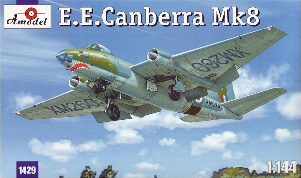 Бомбардировщик E.E.Canberra Mk.8 Amodel 1429