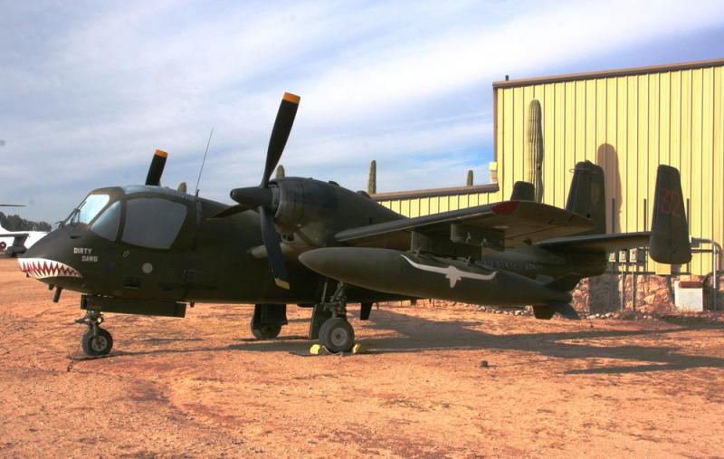 Самолет Grumman OV-1C Mohawk Roden 437