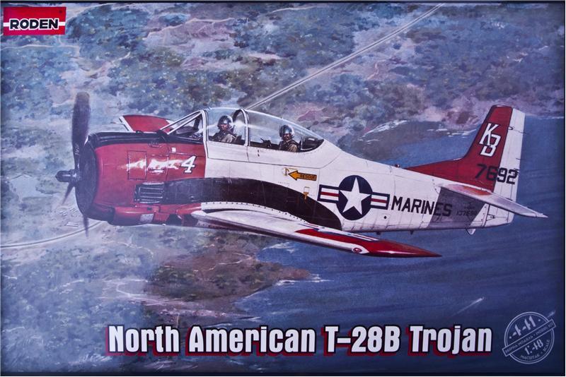 Самолет North American T-28B Trojan Roden 441