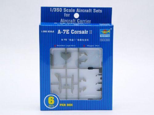 Штурмовик A-7E Corsair II Trumpeter 06225