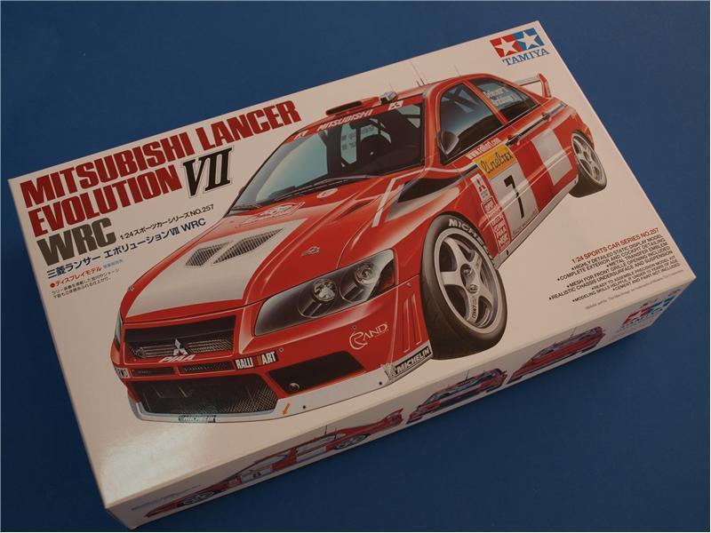 Модель автомобиля Mitsubishi Lancer Evolution VII WRC в масштабе Tamiya 24257