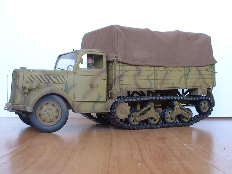 Немецкий полугусеничный грузовой автомобиль Opel Blitz Maultier Roden 715