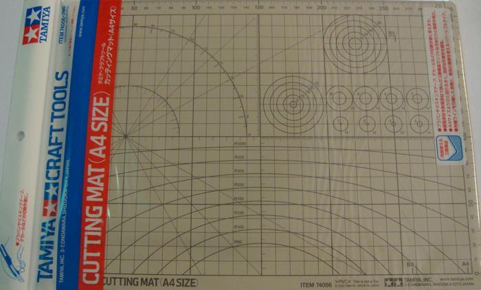 Модельный коврик формата А4 с лекалами для вырезания деталей Tamiya 74056