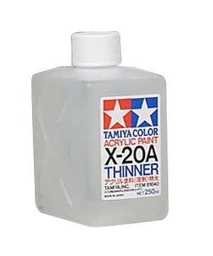 Разбавитель для акриловой краски X-20А (250мл.) Tamiya 81040