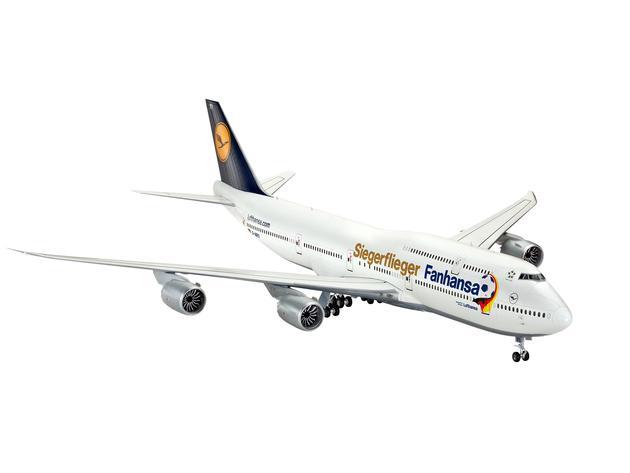 Подарочный набор с самолетом Boeing 747-8 Fanhansa Siegerflieger Revell 01111