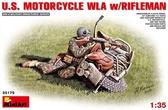Американский стрелок с мотоциклом