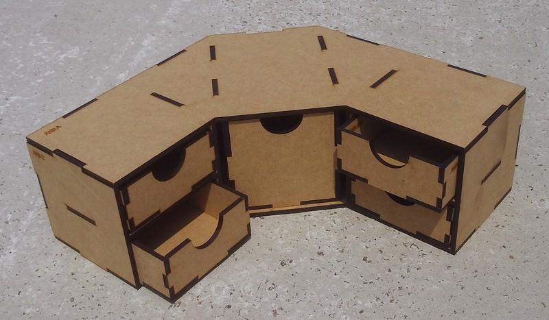 Угловой модуль с 4 маленькими и 1 большим ящиком для расходников и разных материалов Crazy Hands 005