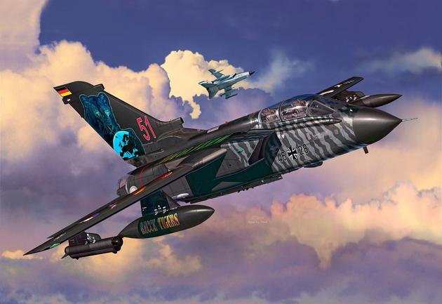 Многоцелевой боевой самолет Tornado TigerMeet 2014 Revell 04923