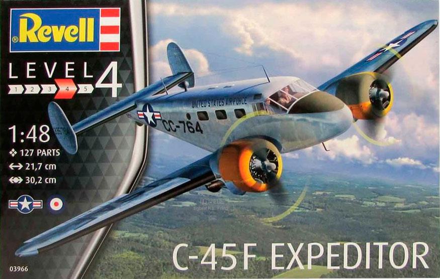 Пассажирский самолет C-45F Expeditor Revell 03966