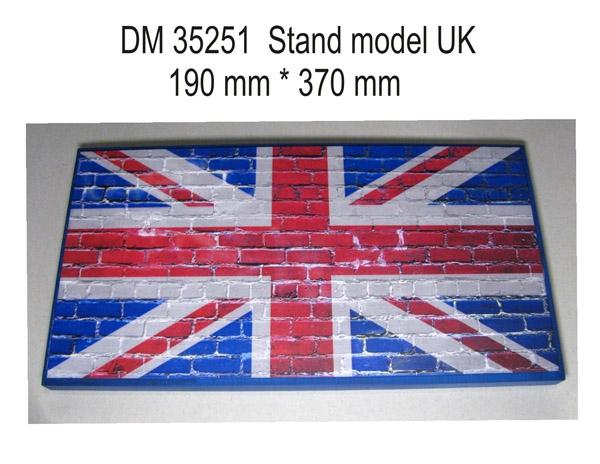 Подставка для моделей бронетехники. Тема: Великобритания (370x190 мм) DAN models 35251