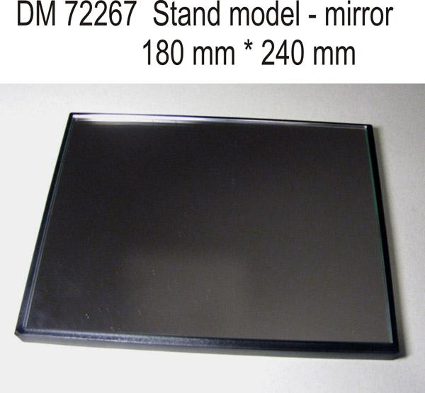 Подставка для моделей. Тема: Зеркало (240x180 мм) DAN models 72267