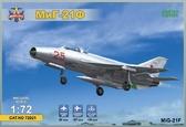 Фронтовой истребитель МиГ-21Ф
